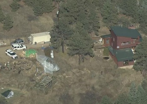 Aerial view of Sunshine Canyon home robbed on Tuesday (courtesy 7News Denver)